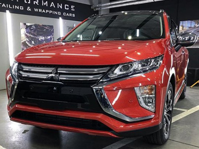 Mitsubishi Eclipse Cross в пленке Avery Diamond Red
