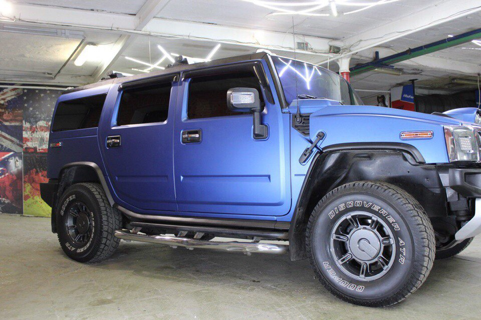 Оклейка кузова Hummer H2 пленкой Avery Matt Metallic Blue