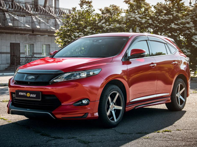 Toyota Harrier в автопленке Avery Gloss Metallic Spark