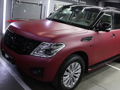 Nissan в пленке Avery Dennison Matte Metallic Cherry