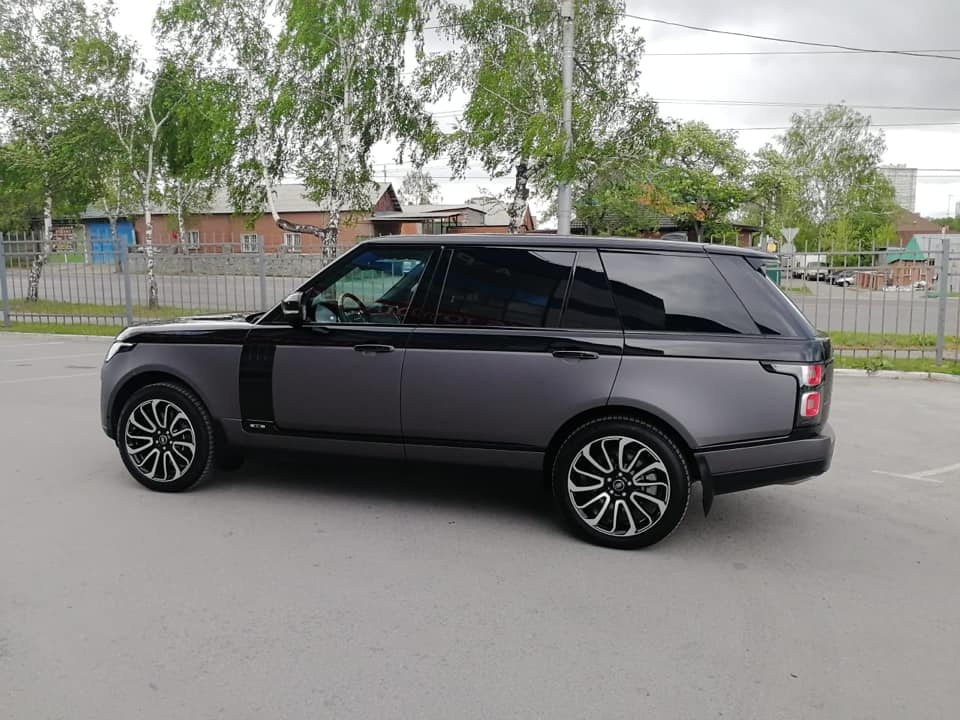 Range Rover в плёнке Avery Matte Metallic Charcoal
