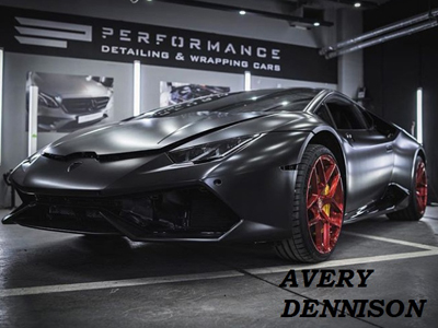 Lamborghini Hurakan в пленке Avery Satin Black