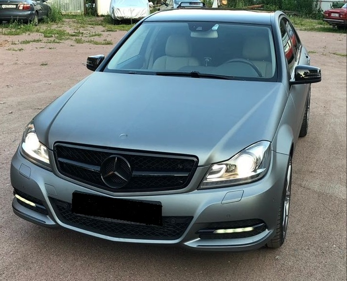 Mercedes в пленке Avery Matte Metallic Gunmetal от команды 13team